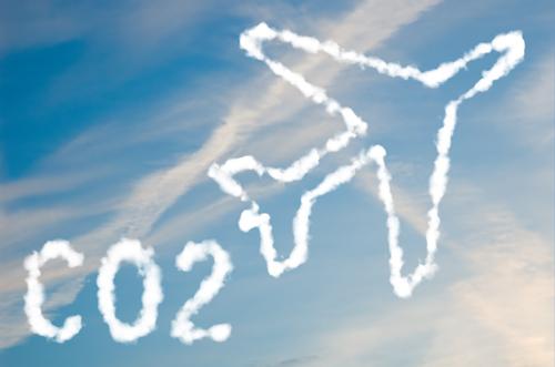 UE nemultumita de noul acord mondial privind reducerea emisiilor produse de aviatia civila