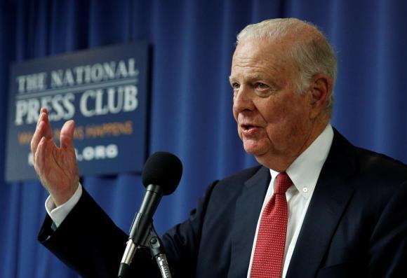 Senatori republicani solicita introducerea taxei pe carbon
