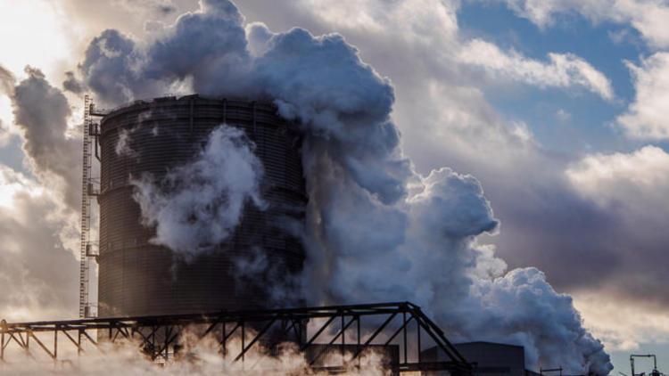 Emisiile operatorilor aflati sub EU ETS au scazut cu 2,6% in 2016