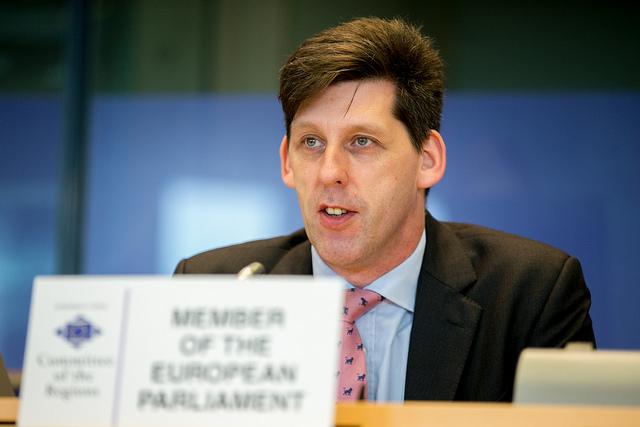 Raportorul Duncan candidat pentru alegerile generale din Marea Britanie