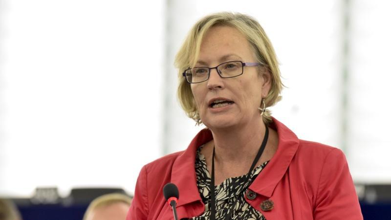 Julie Girling ramane raportor din partea Parlamentului European pentru reforma EU ETS